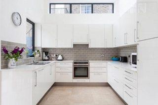 灰白色厨房装修效果图