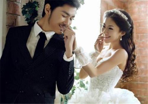 扬州哪家婚纱照拍得好_扬州婚纱摄影哪家好 拍婚纱照如何与摄像师沟通