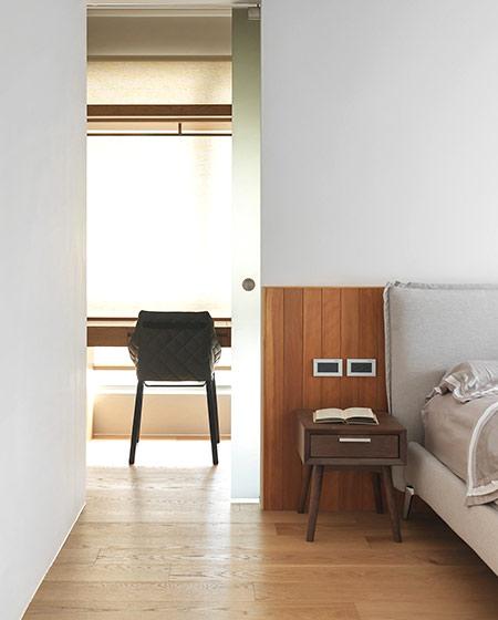 简约风格二居室装修床头柜设计