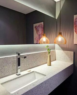 50平小户型一居卫生间吊灯图片