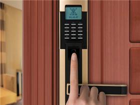 防盗门指纹锁价格是多少 防盗门指纹锁的优缺点
