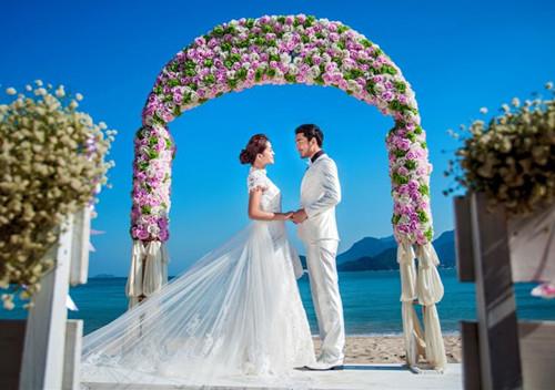 户外婚礼拱门手绘图