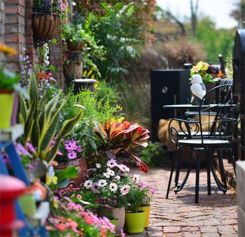景观阳台装修效果图 小阳台逆袭大花园打造清新美家图片