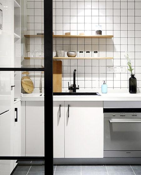 131平简约风格二居厨房装修实景图