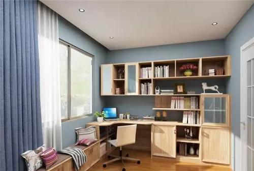 为空间带来了清爽自然的感觉,书柜电脑树枝太以及阳台坐柜的结合,增添