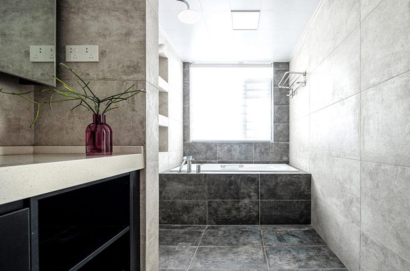 216平新中式风格三居卫生间装潢图