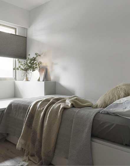 95平米极简卧室效果图