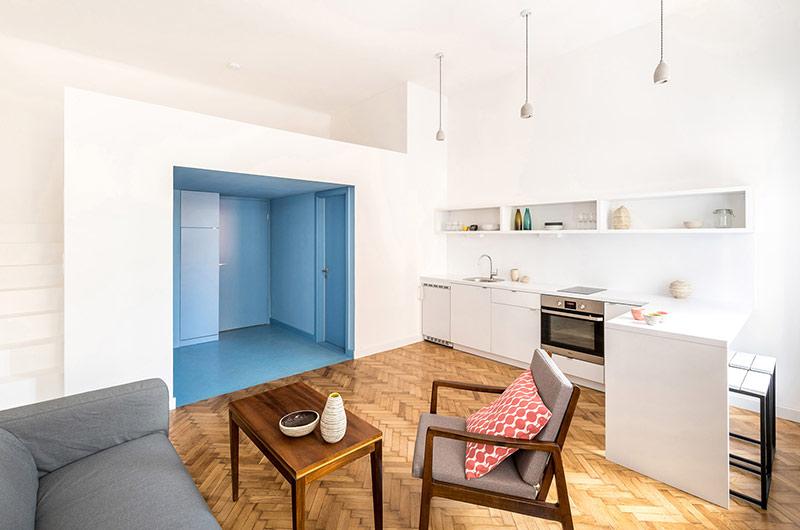 110平单身公寓改造木地板图片