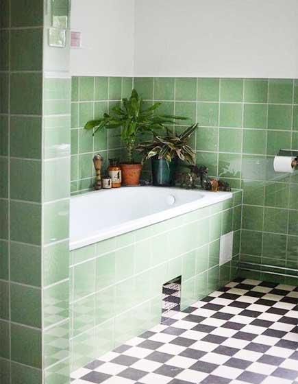 绿色系卫生间摆放图