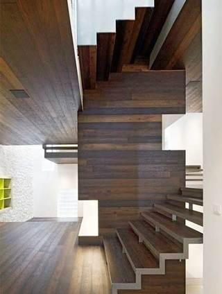 旋转楼梯装修的布置图片