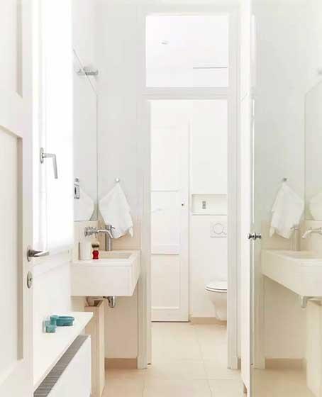 白色系小户型卫生间图片