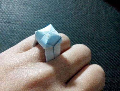 折钻石戒指的方法 怎么用纸折戒指