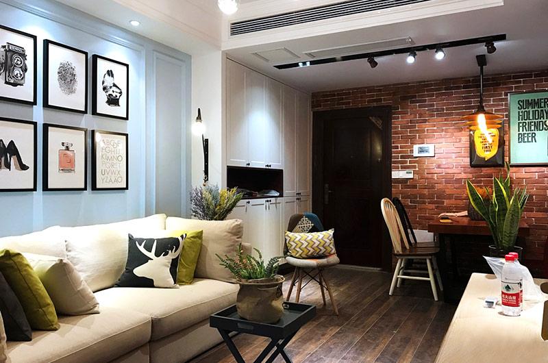65平美式风格二居沙发背景墙装修