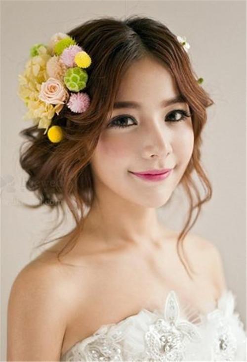 大脸新娘发型怎么做 漂亮的新娘发型推荐