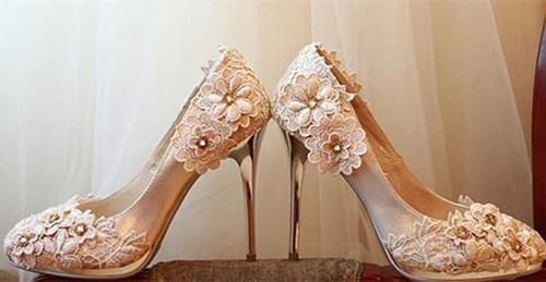 十二星座的婚纱鞋子搭配 如何挑选专属于你星座的婚鞋