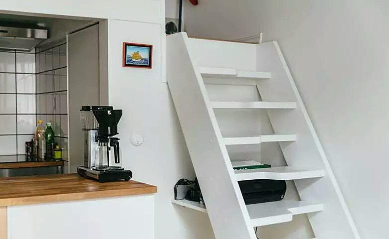 20平单身公寓装修楼梯装修图
