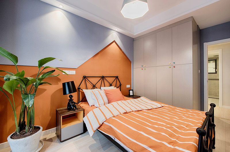 110平简约风格公寓装修卧室衣柜图片