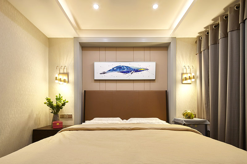 190平现代风格三居卧室床头软包