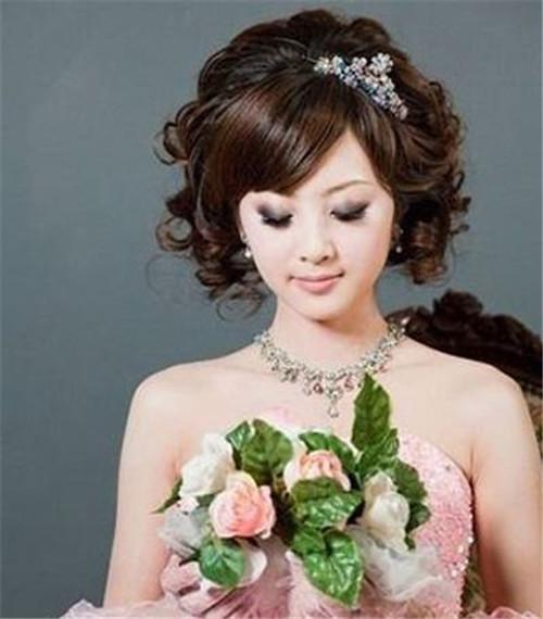 方形脸新娘发型图片欣赏 方脸适合做什么发型图片