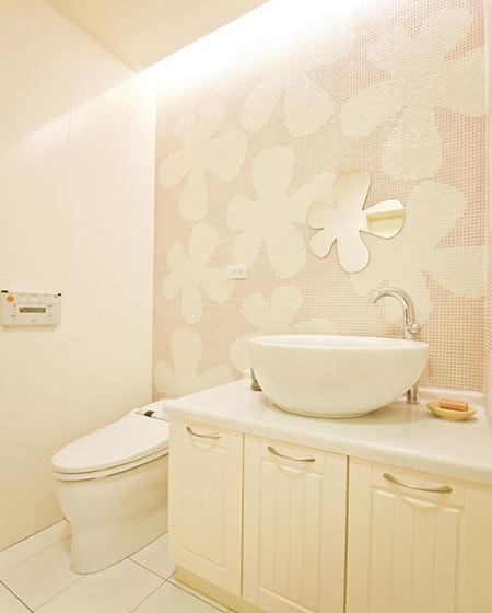 清新浴室瓷砖装修效果图