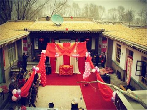 农村户外婚礼现场布置物品 如何包装乡村婚礼呢