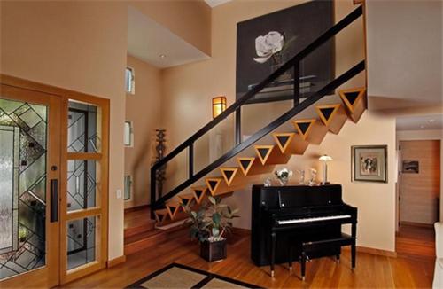 阁楼楼梯口装修效果图 打造美到让你尖叫的个性设计