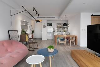 130平三居室台式风格装修客厅壁灯图片