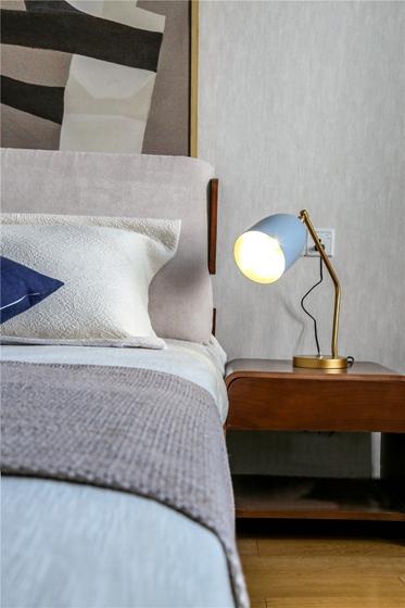 110平现代简约风格装修卧室效果图