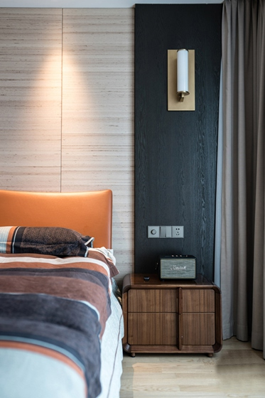 170平大平层装修效果图卧室壁灯图片
