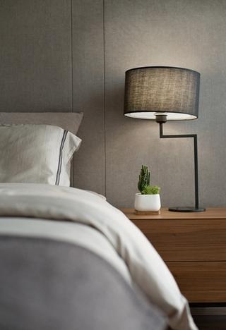 90平简约风格装修效果图卧室台灯图片