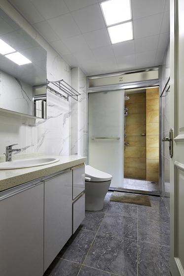 90平日式风格两居室装修卫生间图片