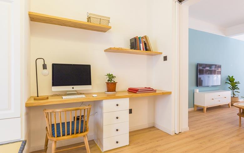 北欧两居室书房图片