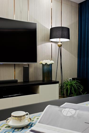 130平三居室装修样板间客厅地灯图片