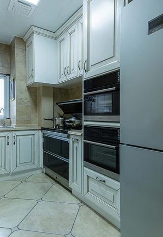 100平美式风格装修厨房效果图