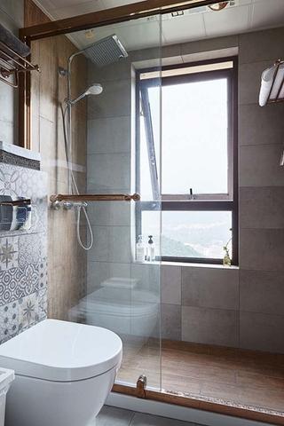 20万全包90平三居室卫生间图片