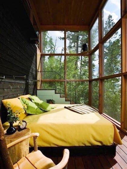 卧室落地窗装修布置图