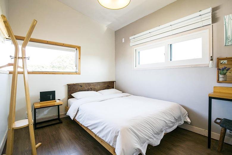 简约卧室设计实景图
