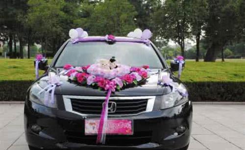 结婚花车装饰的小技巧 婚车怎样装饰才好看