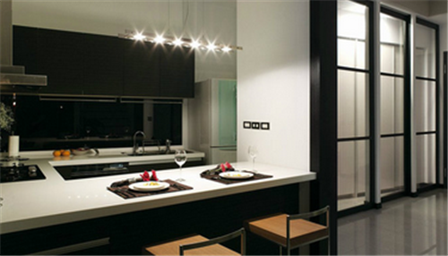 台或餐桌使用的话,开放式厨房中岛台尺寸就要大一些