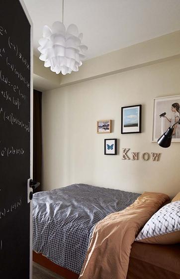 北欧风格三居室装修次卧图片