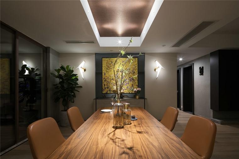 简约风格三居室实木餐桌