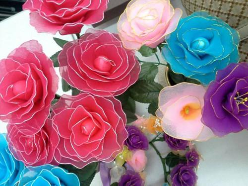 丝网花玫瑰花的做法 如何做出蓝色妖姬与烈焰玫瑰