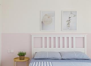 日式风格三居室装修卧室装饰画