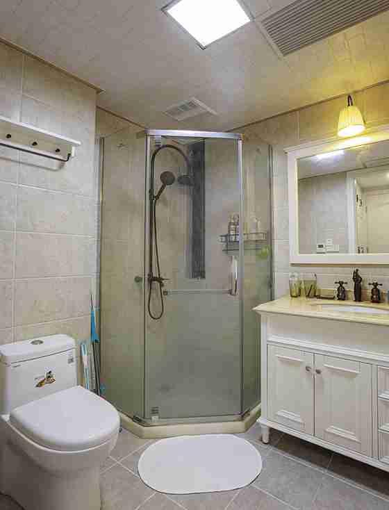 120平三居室装修卫生间图片