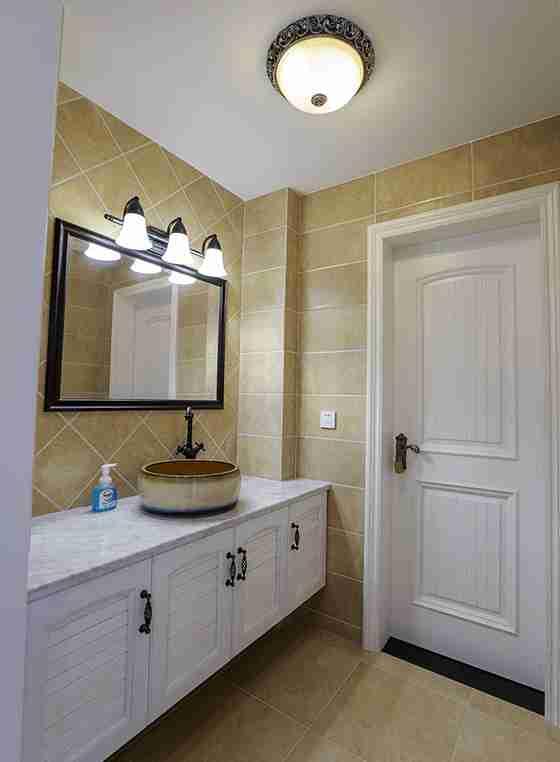 120平三居室装修浴室柜