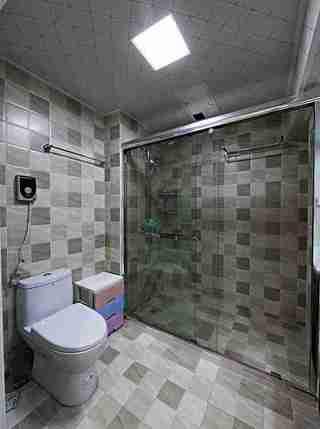 200平大户型装修淋浴房图片