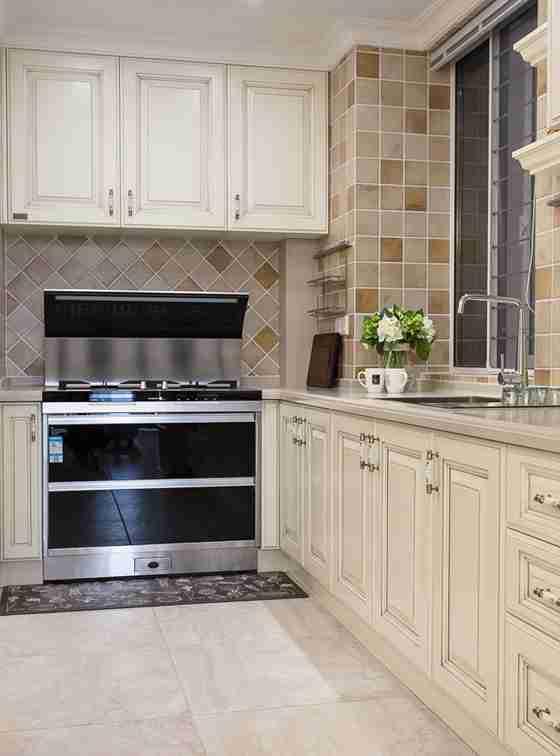 90平三居室装修厨房效果图