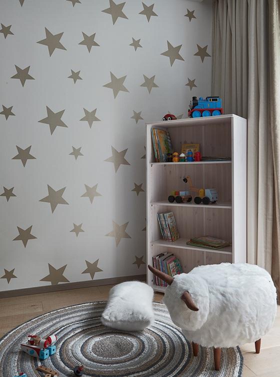 150平米复式装修儿童房收纳柜
