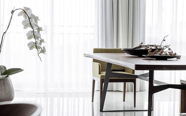 台式风格两居室装修实木餐桌