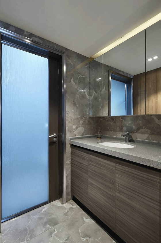 超酷复式房装修卫生间效果图